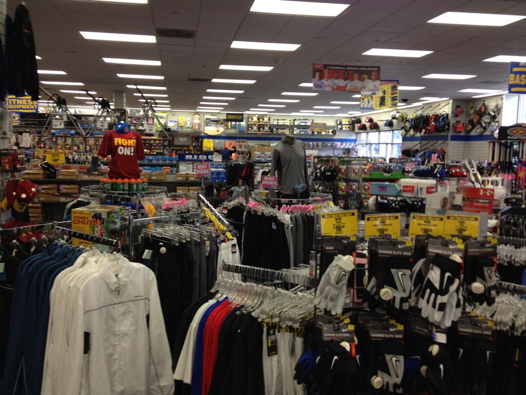 http://www.imoveilive.com/wp-content/uploads/2014/02/Big-5-Sporting-Goods-9-Long-Beach.jpg