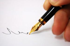 thoughtful-pen-writing-24581037-2560-1702