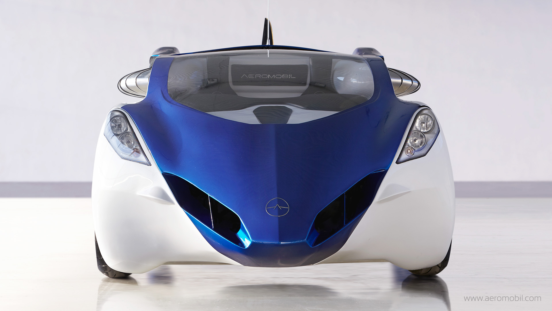 Technology: AeroMobil Flying Car