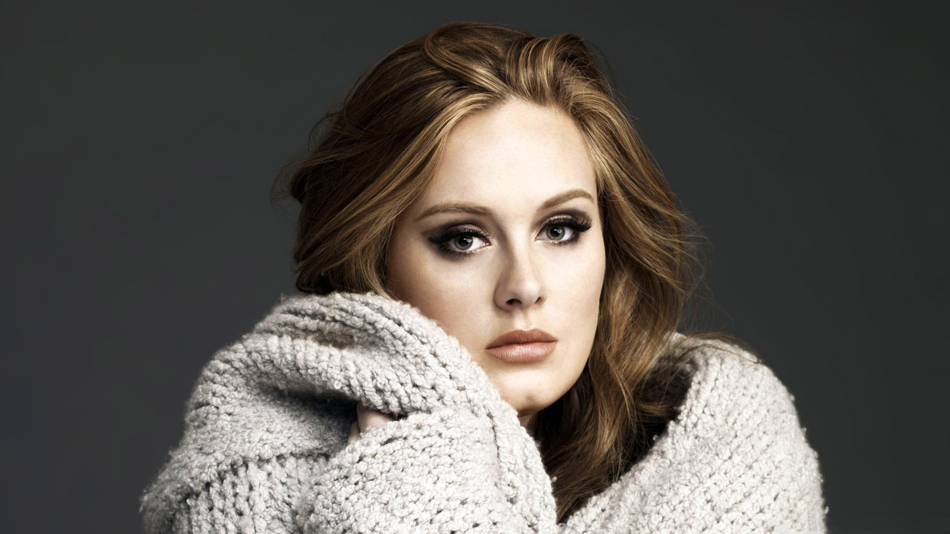 Music News: Adele Sold 2.3 Million Over the Weekend